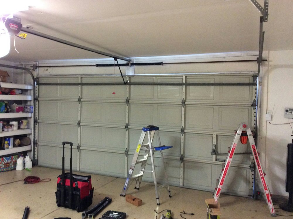 New Garage Door Installation & Repair Services In Santa Rosa